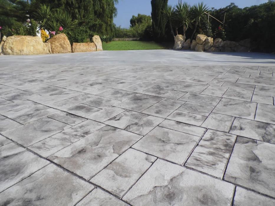 Pavimenti In Cemento Stampato : Cemento stampato dai pavimenti alle pareti il salto è breve